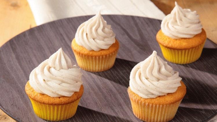 Cupcakes al limone con crema al burro alla vaniglia