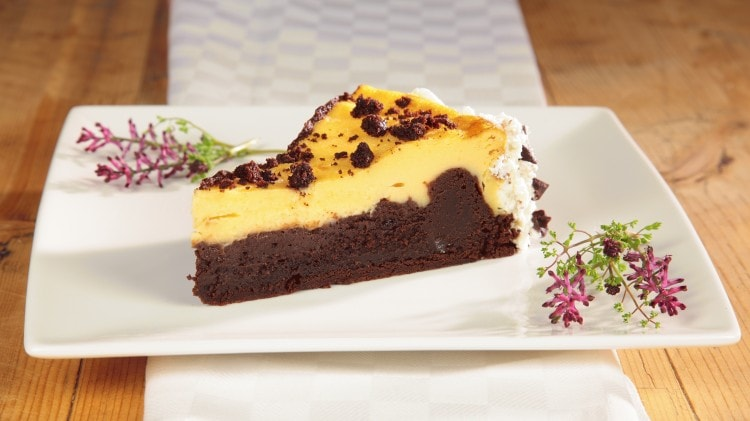 Cheesecake con base di brownie