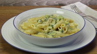 Pasta zucchine e robiola