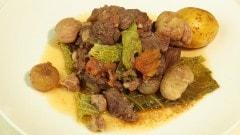 Cinghiale con verza e castagne