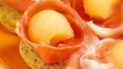 Crostini crudo e melone