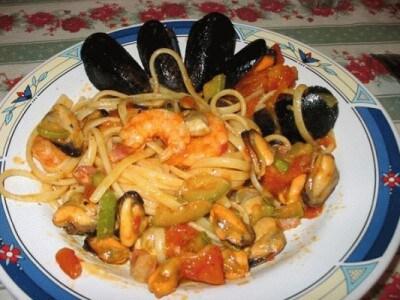 Ricetta Vongole Zucchine E Gamberetti.Linguine Con Cozze Gamberi Zucchine E Pancetta Cookaround