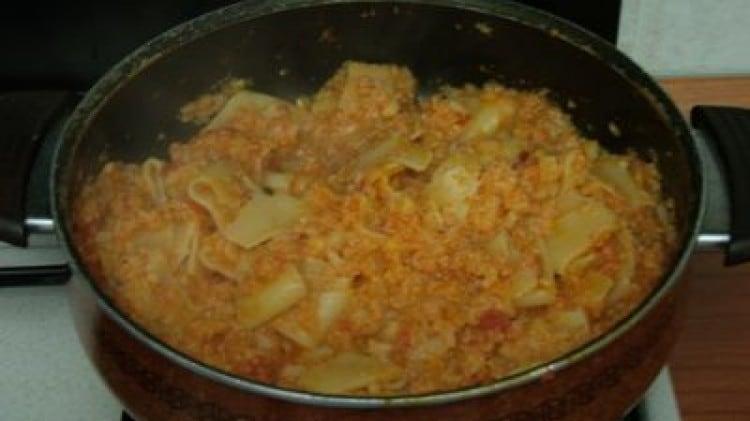 Pasta con cavolfiore soffritto con pomodoro