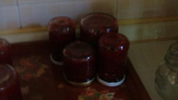 Confettura di fragole al pepe