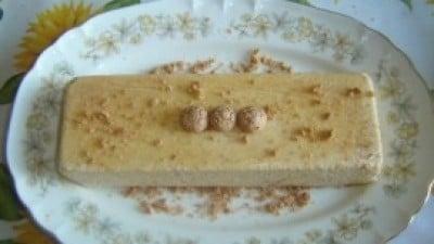 Semifreddo alla nocciola con pralinato