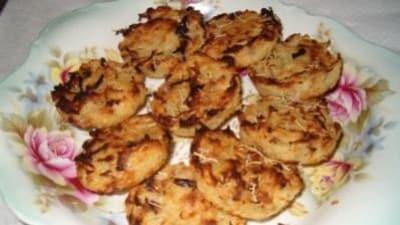 Rosti di patate al forno con la cipolla