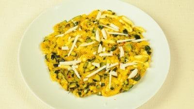 Huevos revueltos con calabacitas uova strapazzate con zucchine alla messicana