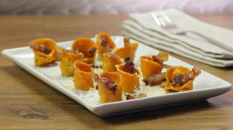 Tortelli arancioni con ripieno di patate