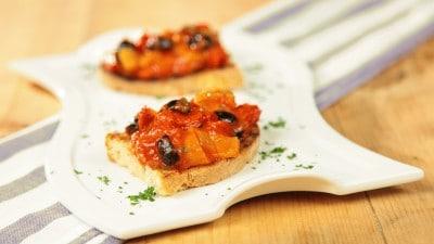 Crostini con peperoni