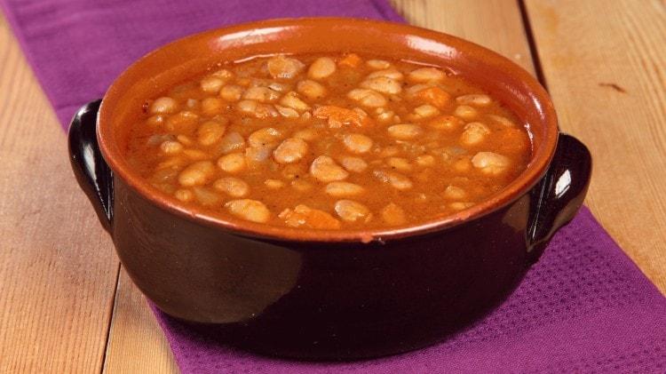 Zuppa di fagioli Fasolia soupa