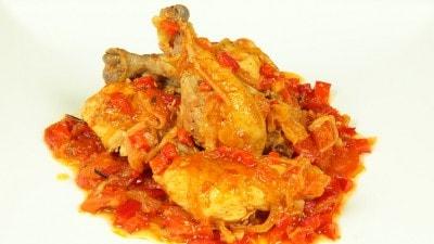 Pollo stufato con verdure della Sierra Leone