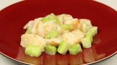 Pollo fritto con cetrioli