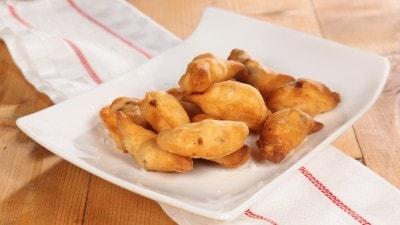 Empanadas de camarones calzoncini di gamberi argentini