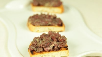 Lahum Nee Tartare di manzo ricetta tipica siriana