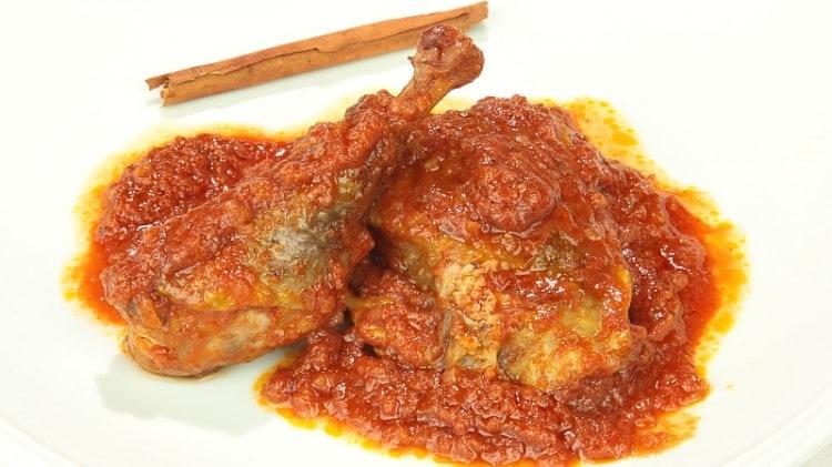 But Ma'a Marqeh Anatra con salsa di vino