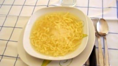 Brodo di gallina con passatelli di semolino