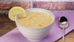 Ads shorba (zuppa araba di lenticchie rosse e succo di limone)