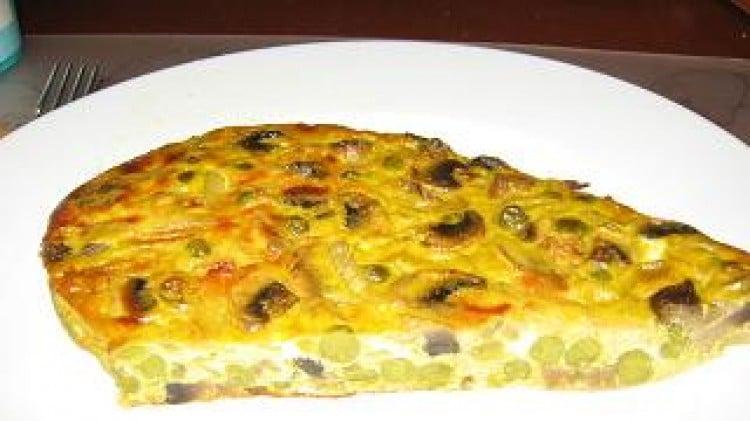 Frittata con funghi champignon e piselli