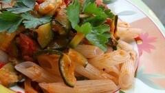 Penne di riso zucchine e pomodorini light