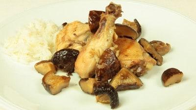 Pollo fritto con funghi