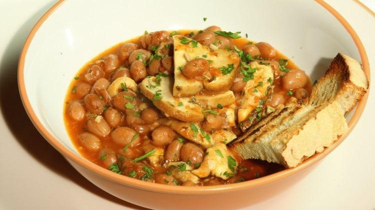 Zuppa di fagioli e porcini