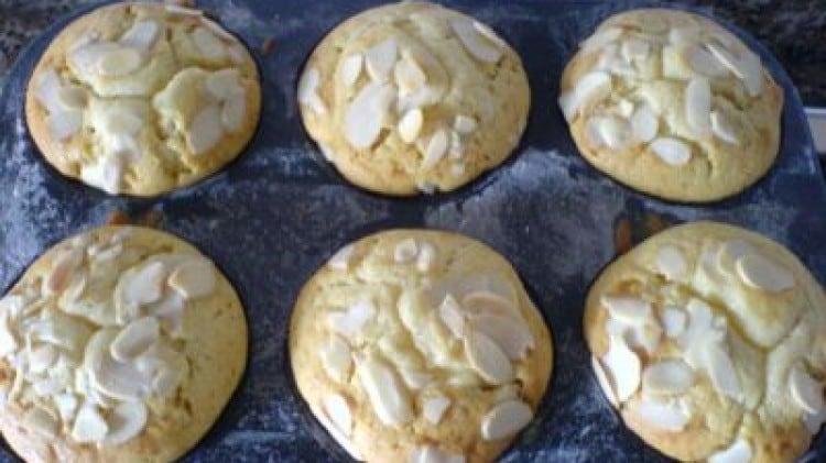 Cheesecake muffins al limone e cioccolato bianco