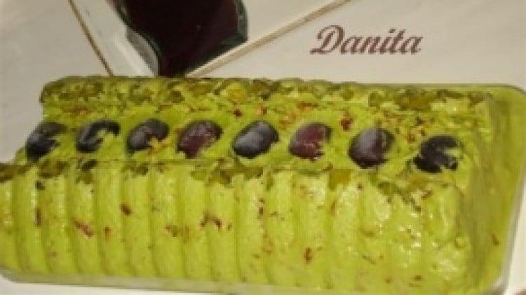 Parfait di pistacchi di Bronte con salsa di ciliege