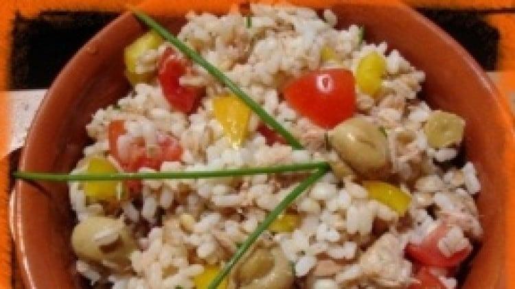 Tris di cereali con pomodori concasèe, funghetti ed olive nere