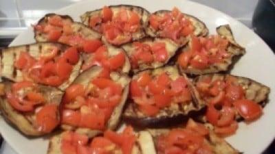 Melanzane grigliate con pomodorini