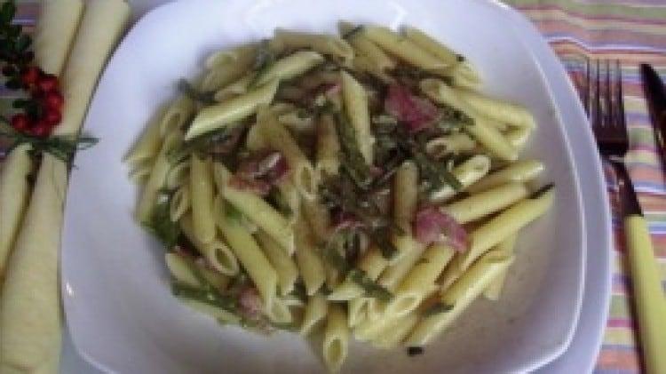 Penne con asparagi selvatici