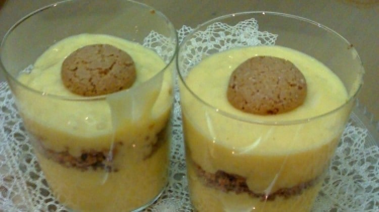Coppe di crema e riso all'amaretto
