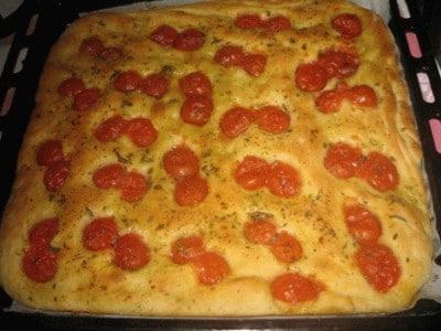 Ricetta Focaccia Con Pomodorini.Focaccia Con Pomodorini Le Vostre Ricette Cookaround
