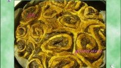 Torta di rose con ripieno di ricotta e cacao