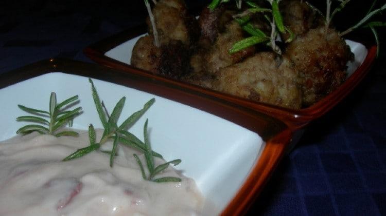 Polpettine di carne con salsa rosa allo yogurt