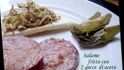 Crostini con tonno, carciofini e cipolla