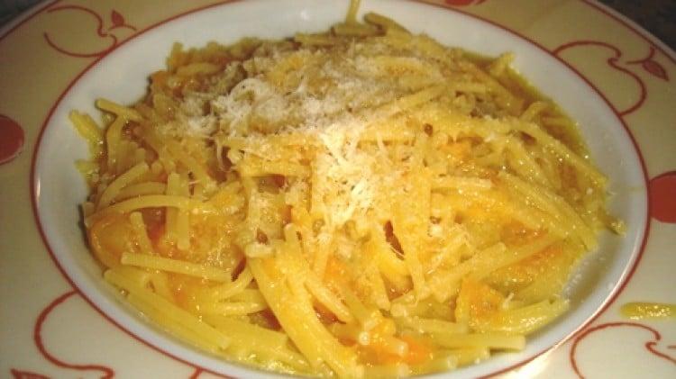 Spaghetti spezzati alla zucca