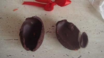 Uova di cioccolato senza stampo