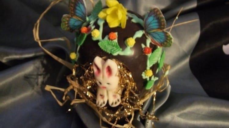 Uovo con coniglietto