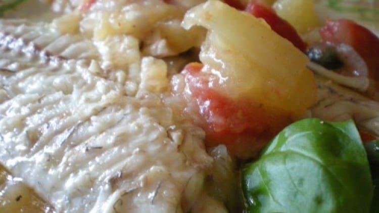 Orate in umido di patate e pomodori