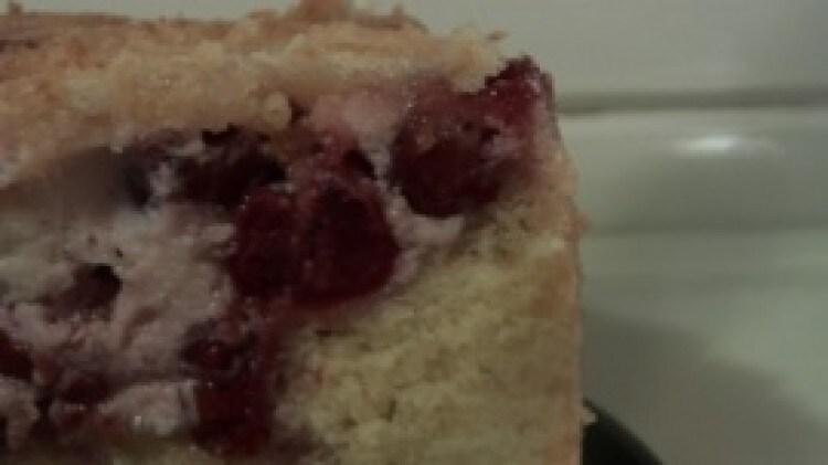 Torta morbida con crema di ricotta e ciliegie