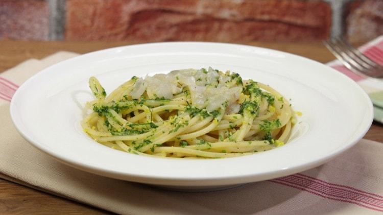 Spaghetti acciughe e crema di cipollotti