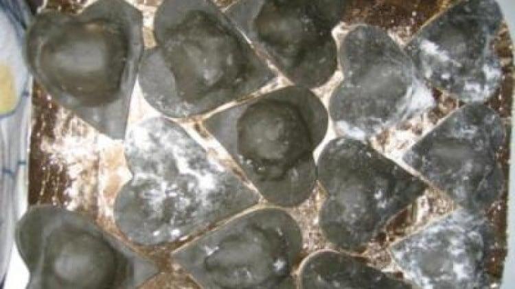 Cuoricini neri ripieni al pesce