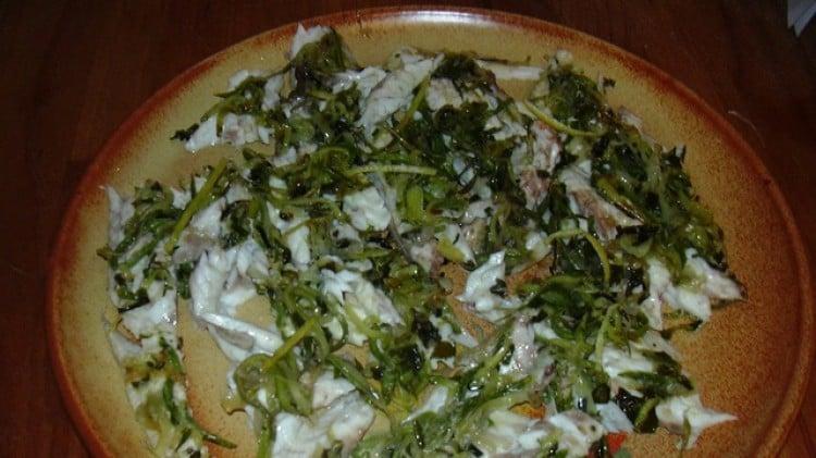 Branzino farcito con julienne di zucchine e erbe aromatiche