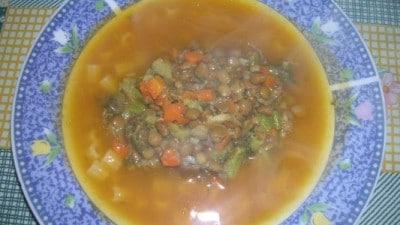 Crema saporita di zucca con lenticchie