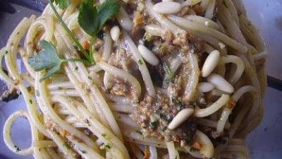 Spaghetti al pesto di mare