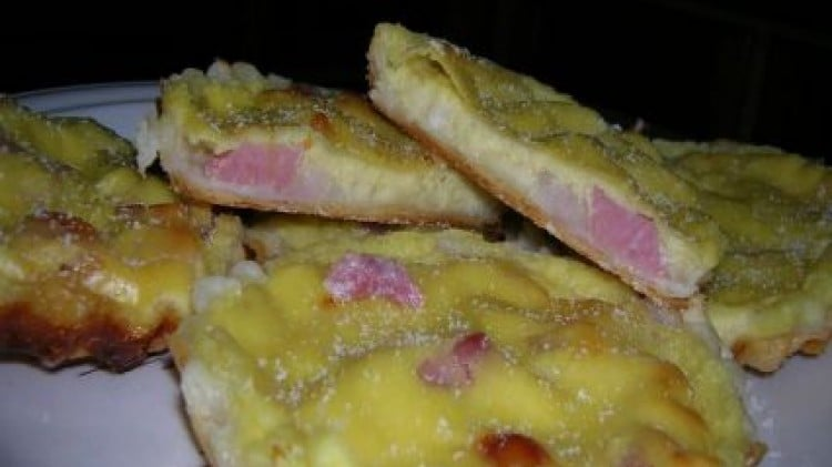Tartellette con Brie e pancetta affumicata