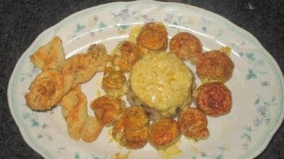 Bocconcini di pollo al curry con riso e funghi