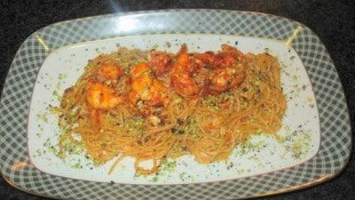 Spaghetti al sugo di cicale in rosso