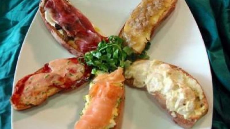 Crostone freddo al salmone