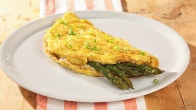 Omelette ai formaggi e asparagi